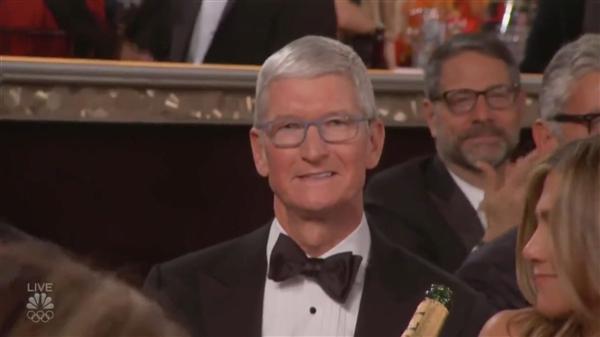 三项提名颗粒无收、苹果CEO库克金球奖难堪离场