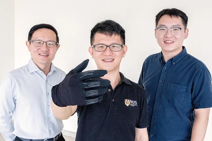 研究团队利用液态金属传感器来打造轻巧灵活的游戏手套