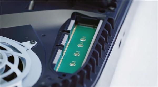索尼确认,前期PS5会屏蔽扩展插槽,后期再开放