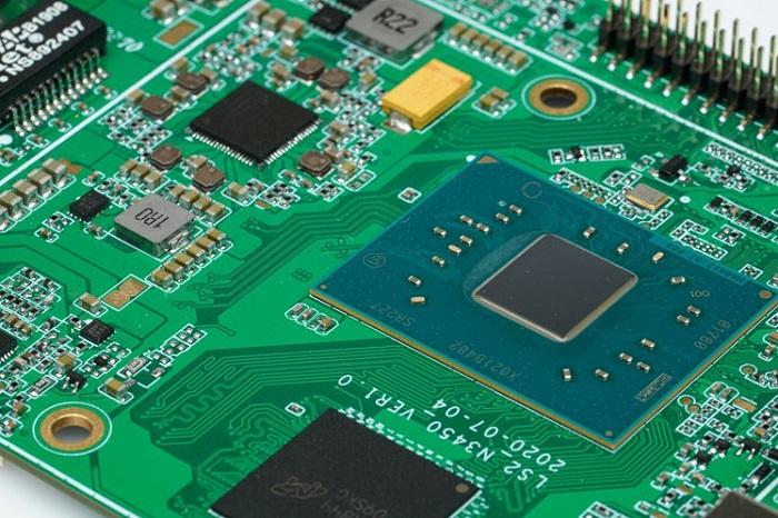 工业版树莓派HackBoard 2众筹中 支持Win10专业版和4G/5G网络