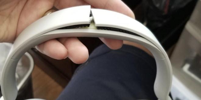 surface_headphones_gebrochen.jpg