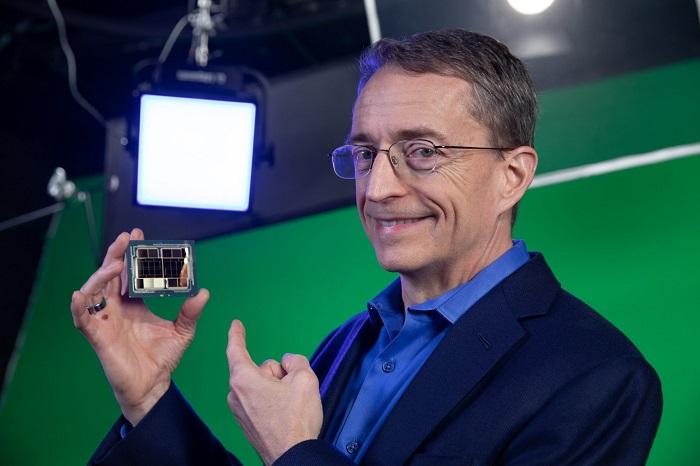英特尔CEO:除非更多产能投产 芯片还要短缺两年