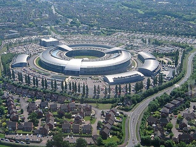 637px-Aerial_of_GCHQ,_Cheltenham,_Gloucestershire,_England_24May2017_arp.jpg