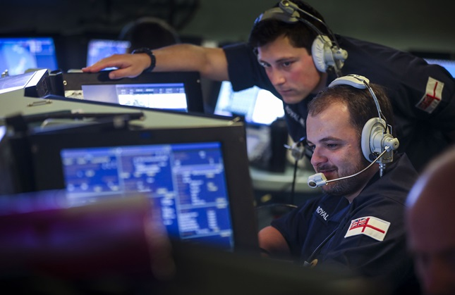 sailors-in-hms-dragons-operations-room-discuss-a-missile-attack.jpg