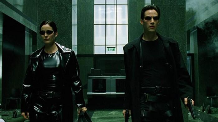 外媒:《黑客帝国4》将暂停拍摄