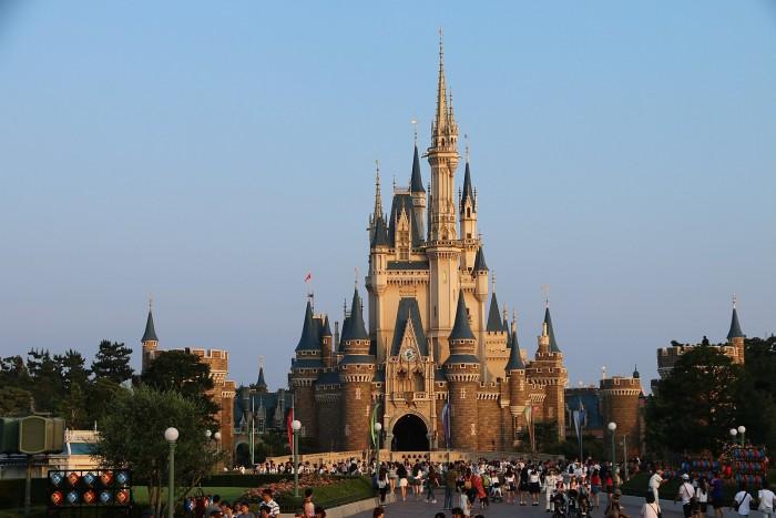1599px-A8_Tokyo_Disneyland.jpg