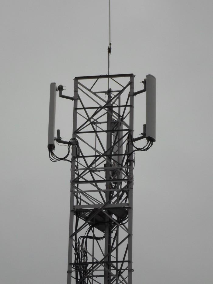 antenne-relais-telecom-gsm-1449346237EEE.jpg