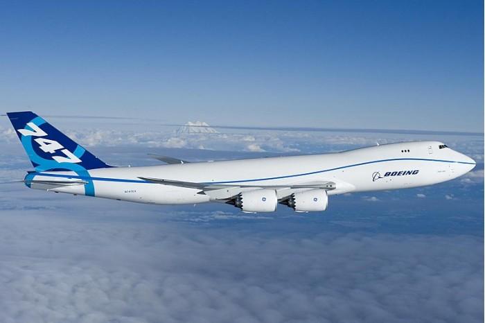 800px-Boeing_747-8_first_flight_Everett,_WA.jpg