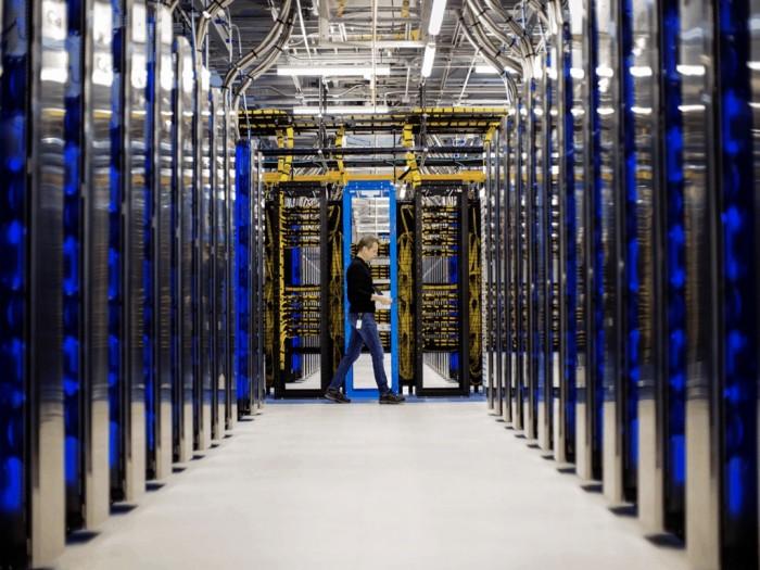 Microsoft-Azure-data-center.jpg
