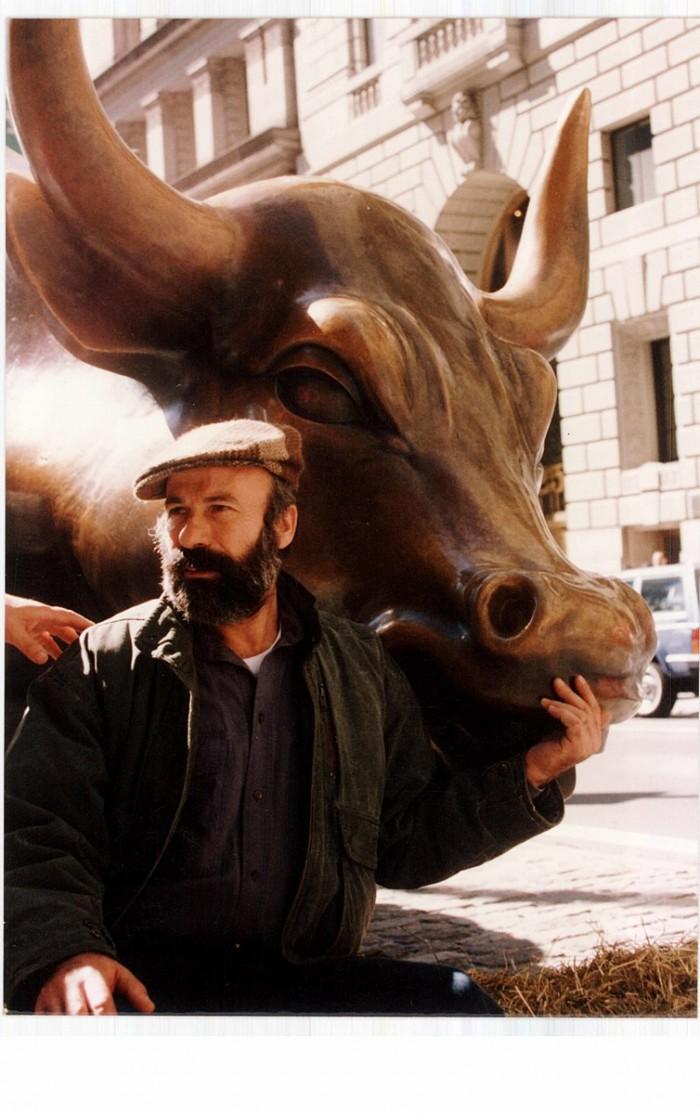 1990-5_ADM_and_Charging_Bull.jpg