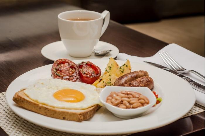 breakfast-at-caravelle-saigon-5500240_1280.jpg