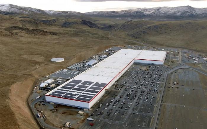 1600px-Tesla_Gigafactory_1_-_December_2019.jpg