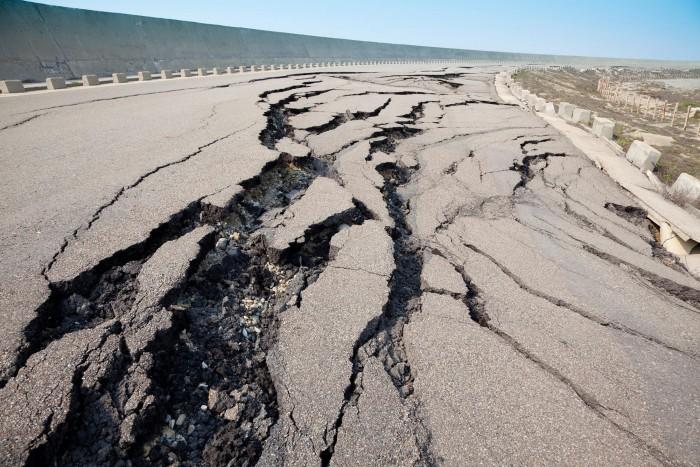 Road-Cracked-From-Earthquake.jpg