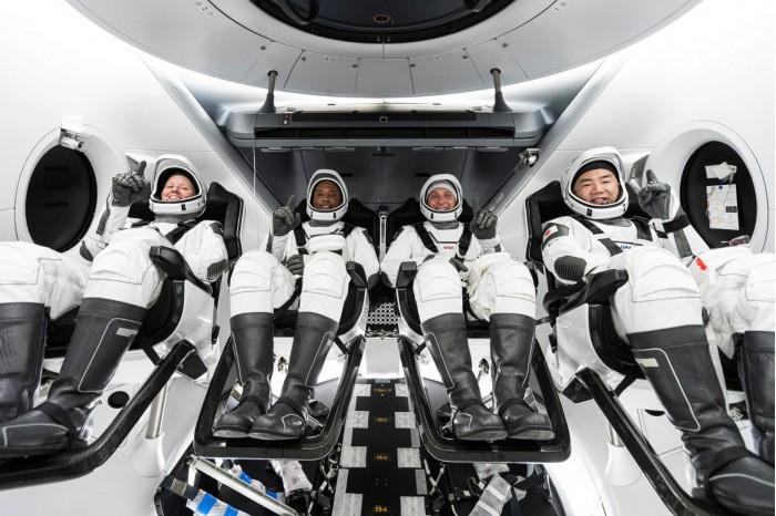 NASA-Crew-1-Astronauts-2048x1365.jpg
