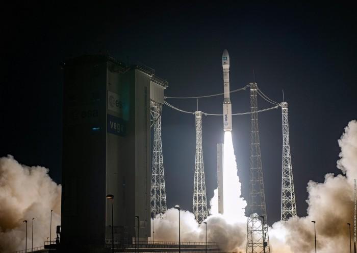 Vega-Liftoff-Flight-VV18-scaled.jpg