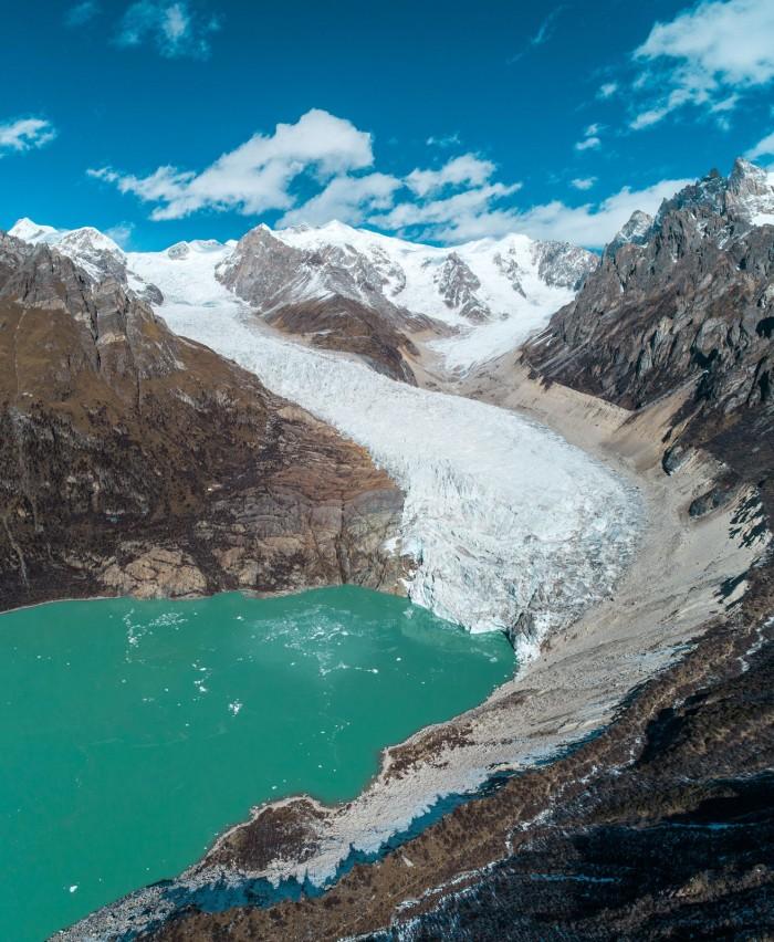 Himalayan-Glacial-Lake.jpg