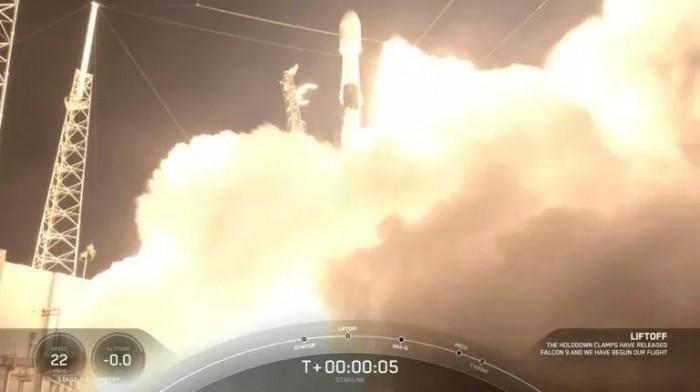 一枚猎鹰9火箭已经第10次成功完成发射回收任务