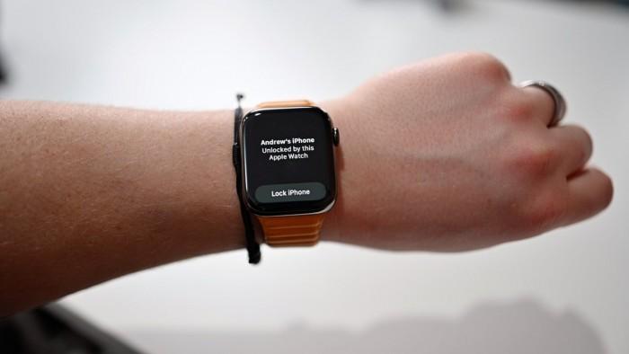 42043-81500-40103-77160-Apple-Watch-Unlocked-xl-xl.jpg