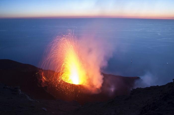 Strombolian-Explosion-2048x1360.jpg