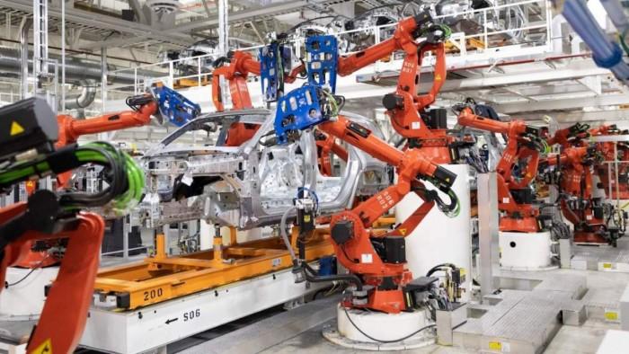 industrial-robots-1280x720.jpeg