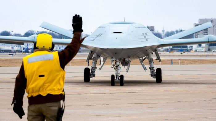 Boeing-simulation-test-drone-refueler-jet-1280x720.jpg