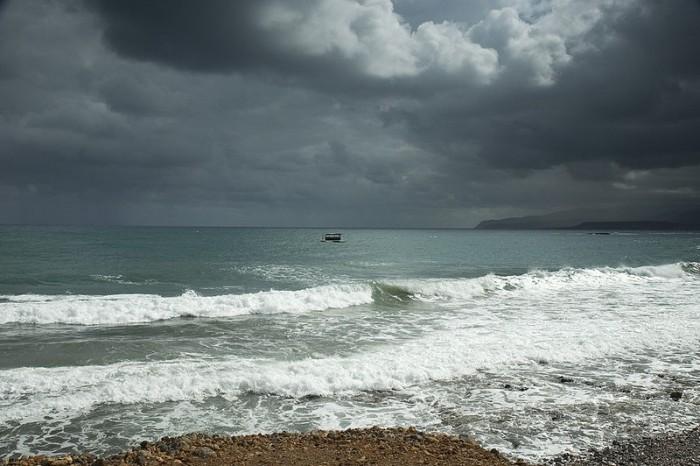 800px-Stalida_Sea_Storm.jpg