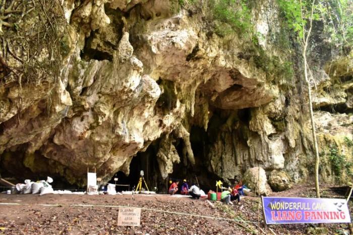 Leang-Panninge-Cave-777x518.jpg
