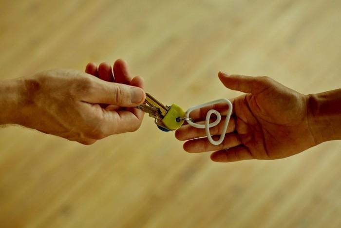1626809825_airbnb_1.jpg