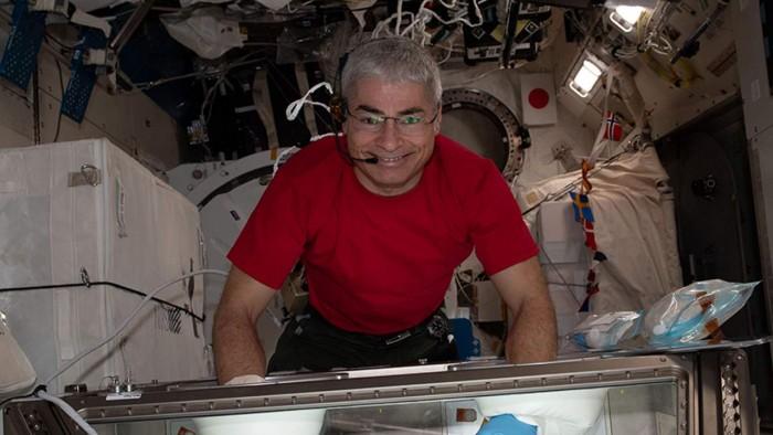 nasa-astronaut-1280x720.jpg
