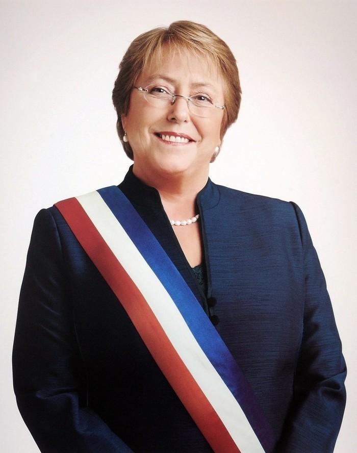 1024px-Portrait_Michelle_Bachelet.jpg
