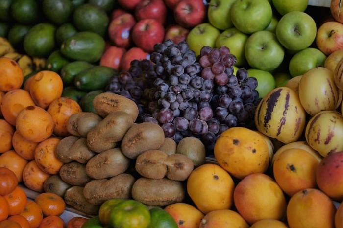 peru-ollantaytambo-fruits-market.jpg