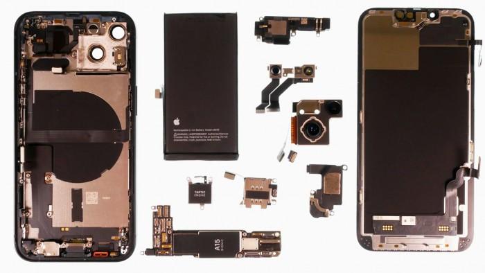 iPhone 13 Teardown