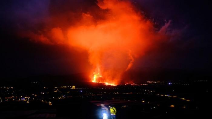 http---cdn.cnn.com-cnnnext-dam-assets-210925073052-01-la-palma-volcano-0925.jpg