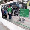 印度班加罗尔为遏制民众当街便溺 在街头设立大型反光镜