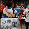 就问你酸不酸:广州考生一出考场就收到妈妈送的1800元高达