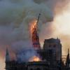 马克龙同意巴黎圣母院塔尖原样重建