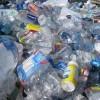 科学家通过升级回收技术将塑料瓶变成超级电容器材料