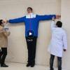 四川14岁男孩高221厘米 挑战最高青少年吉尼斯世界纪录
