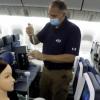 美国国防部研究称新冠病毒在商业航班上的传播风险较低