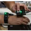 普渡大学开发类似手表的设备  使用低频电磁信号通过人体发送数据