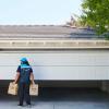 亚马逊将车库内配送作为美国所有杂货配送订单的选项