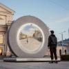 """立陶宛维尔纽斯建造了通往另一个城市的""""门户"""" 帮助人们保持联系"""