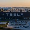 外媒展示特斯拉Model Y生产线:机械替代人工 部分车间自动化率达100%