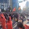 韩国爆发罢工集会 抗议者穿《鱿鱼游戏》服装